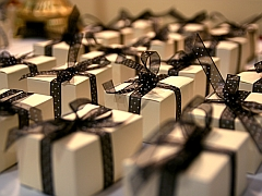 Beyond Mugs: Personalised Gifting Gains a Foothold in India