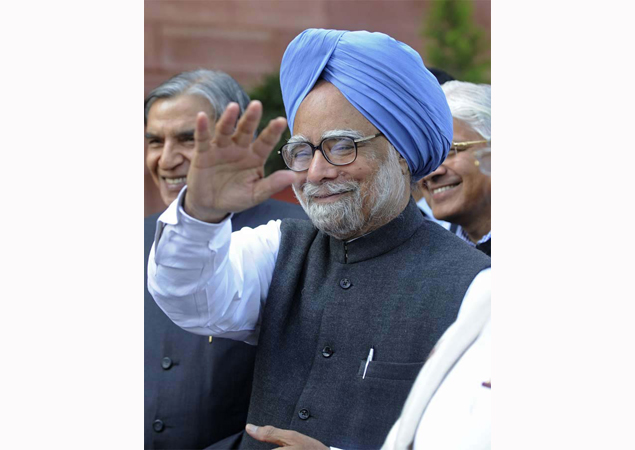 Telecom sector problems coming to an end: Manmohan Singh