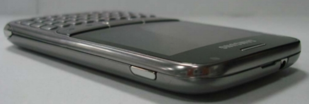 Samsung-GT-B7810-Android-QWERTY-2-635.jpg