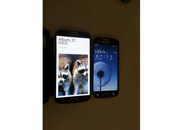 Samsung Galaxy S4 mini pictures and specs leaked online