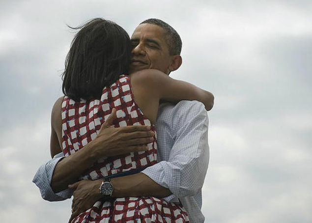 Photo of Obama hugging Michelle sets new Facebook record
