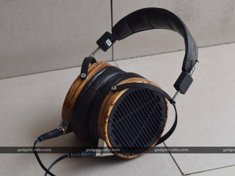 headphones_101_niche_audeze_lcd3_ndtv.jpg
