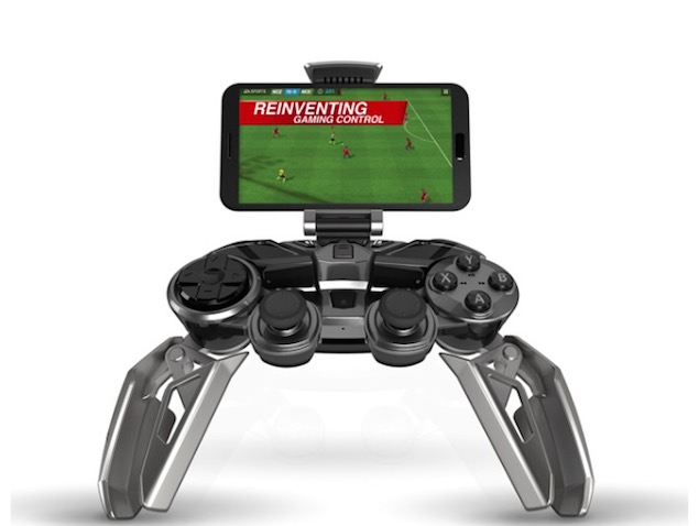 CES 2015: Mad Catz Unveils L.Y.N.X. 9 - the Swiss Army Knife of Controllers