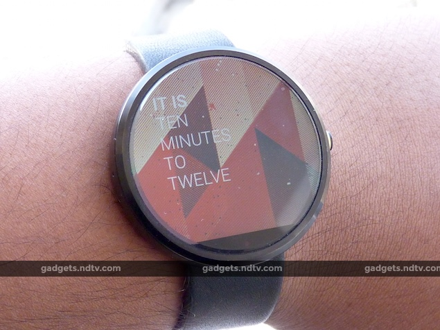 Motorola Moto 360 Review: Attractive Android Wear Watch with Quirks