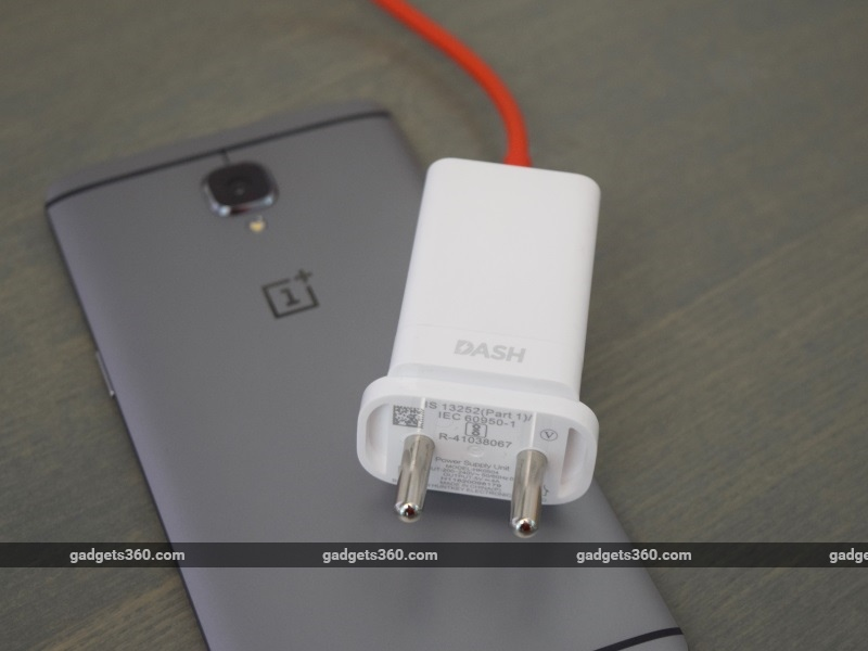 oneplus_3_charger_ndtv.jpg