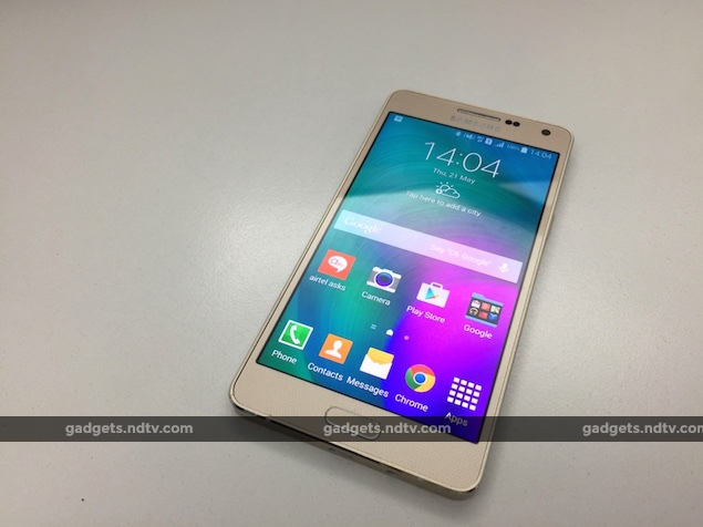 Samsung Galaxy A5 Duos Review: Sturdy and Light but Too Expensive