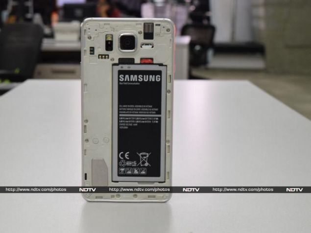 samsung_galaxy_alpha_battery_ndtv.jpg