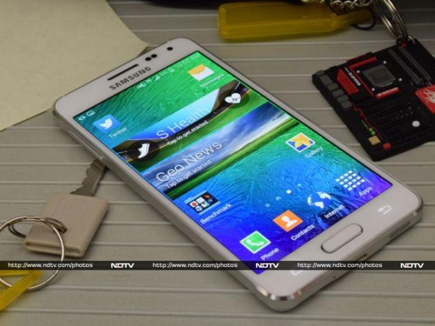 Samsung Galaxy Alpha Review: Silencing the Critics