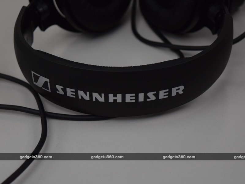 sennheiser_hd180_headband2_ndtv.jpg