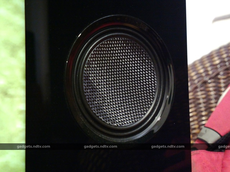 sony_55x93c_speaker2_ndtv.jpg
