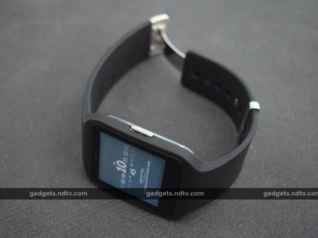sony_smartwatch3_button_ndtv.jpg