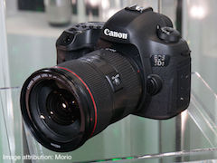 Canon EOS 5DS and 5DSR 50-Megapixel Full-Frame DSLRs Launched in India