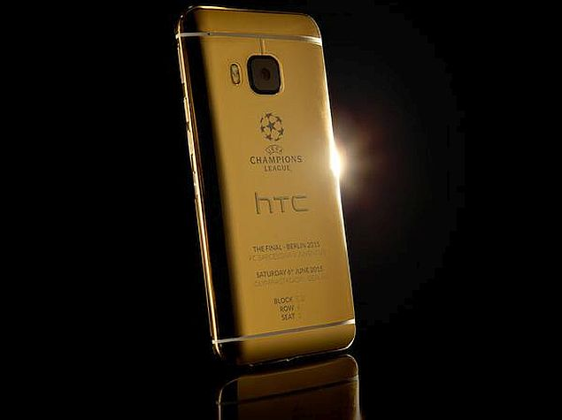 HTC Launches 24-Karat Gold One M9 With Photo Shot on an iPhone 6
