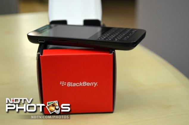 BlackBerry-Q5-pack-side.jpg