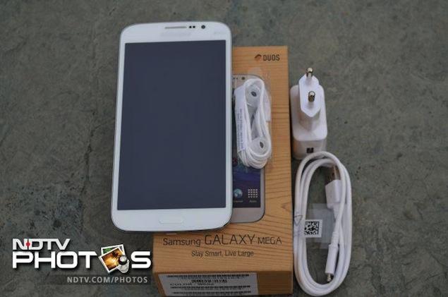 Samsung-Galaxy-Mega5.8-pack.jpg