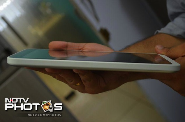 acer-iconia-w3-thickness.jpg