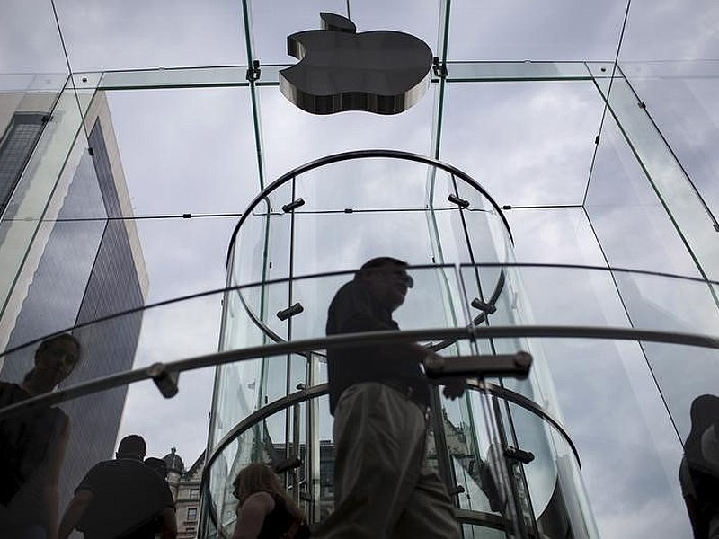 Apple Reportedly Steps Up Hiring of Artificial Intelligence Experts