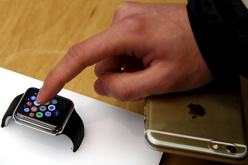 Apple Watch 2017 to Sport Micro-LED Display, Sharp to Provide iPhone Oled Display: Reports