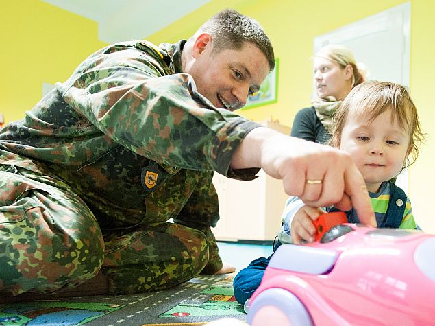Germany Lists Internet Access as Benefit for Joining Volunteer Army
