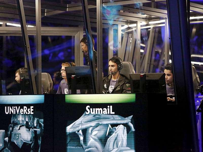 'Evil Geniuses' Win Dota 2 International 2015