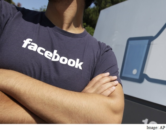 Facebook May Host News Sites' Material