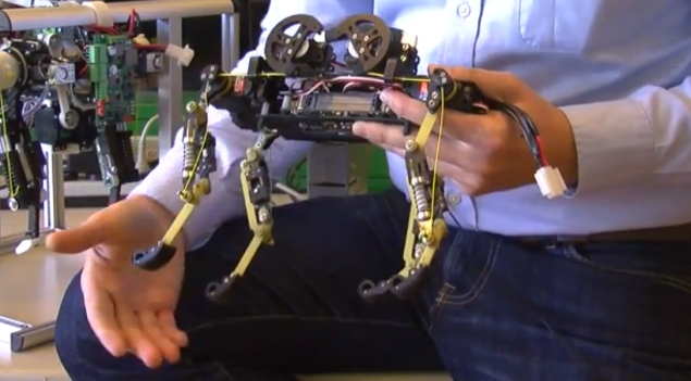 Four-legged robot that runs like a cat developed by Swiss scientists