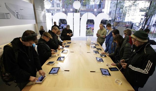 Apple's 4th-generation iPad gets a 128GB storage option, starting Rs. 49,900