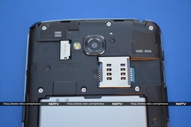 LG-G-Pro-Lite-sim-slot.jpg