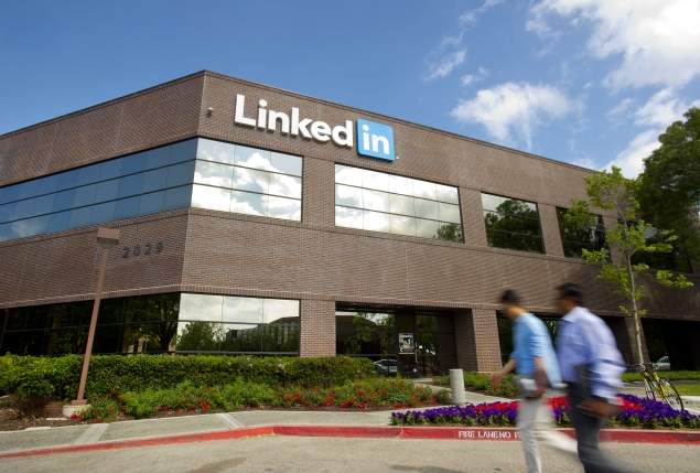 LinkedIn adds two-factor authentication to protect user accounts
