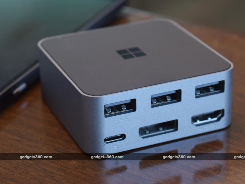 Microsoft_Lumia_950XL_dock_ndtv.jpg