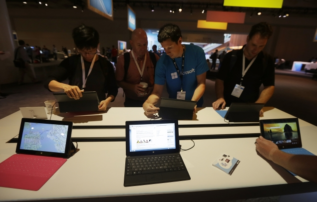 Microsoft slashes price of Surface RT tablet by $150
