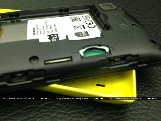 Nokia_Lumia_525_slots_ndtv.jpg