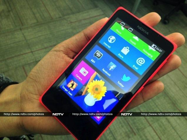 Nokia_X_hand_ndtv.jpg