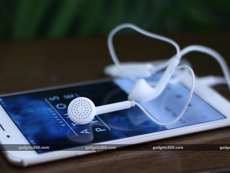 Oppo_F1_Plus_earphones_ndtv.jpg