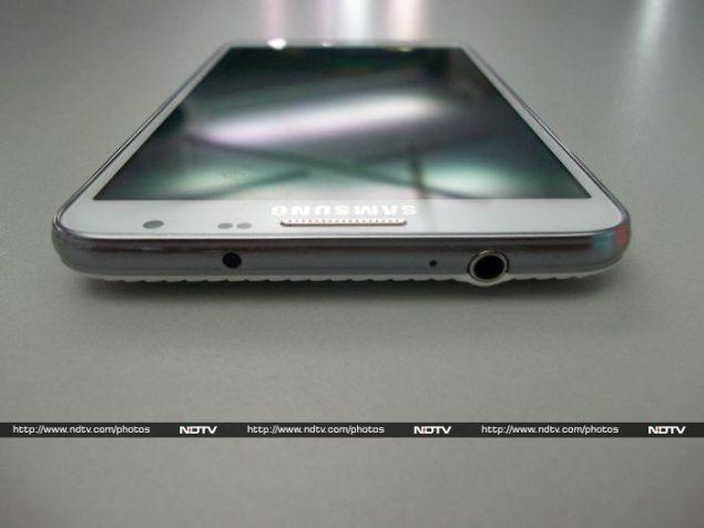 Samsung_Galaxy_Note3_Neo_Top_NDTV.jpg