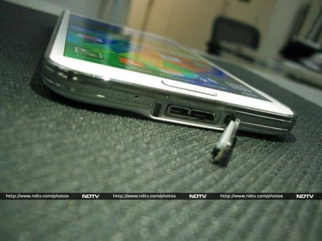 Samsung_Galaxy_S5_flap2_ndtv.jpg