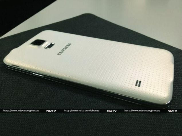 Samsung_Galaxy_S5_rear2_ndtv.jpg