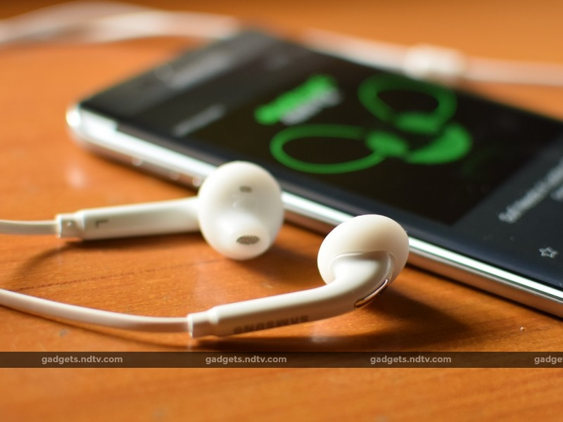 Samsung_Galaxy_S6_Edge+_earphones_ndtv.jpg
