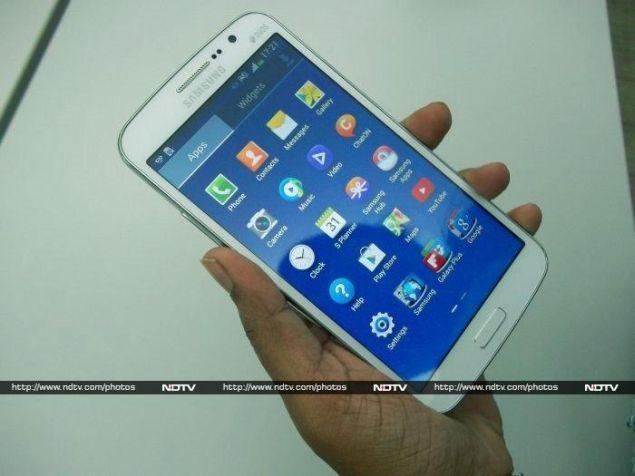 Samsung_galaxy_grand2_hand_ndtv.jpg