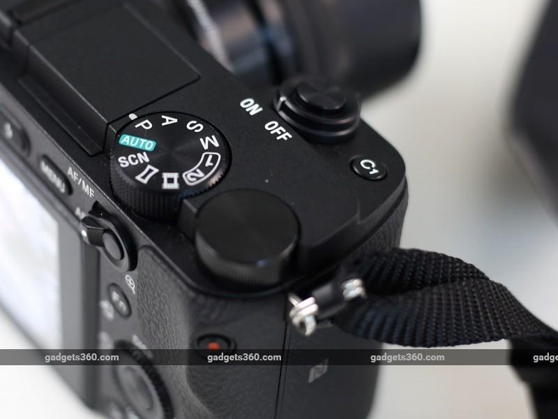 Sony_A6300_dial_ndtv.jpg