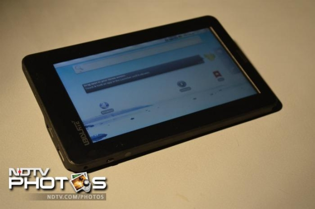 Government for providing Aakash tablet at Rs. 1,500