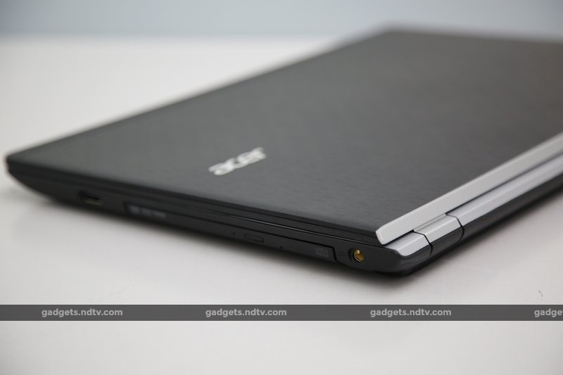 acer_aspire_v3_rearright_ndtv.jpg