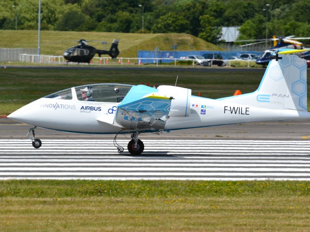 First Electric Plane Flies Over English Channel