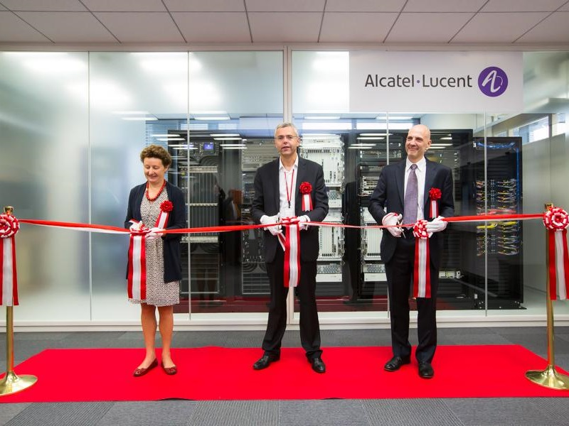 French Watchdog to Probe Ex-Alcatel-Lucent Chief's EUR 14 Million Payout