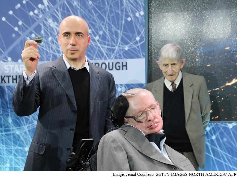 Hawking, Milner, and Zuckerberg Invest in Interstellar Spaceships