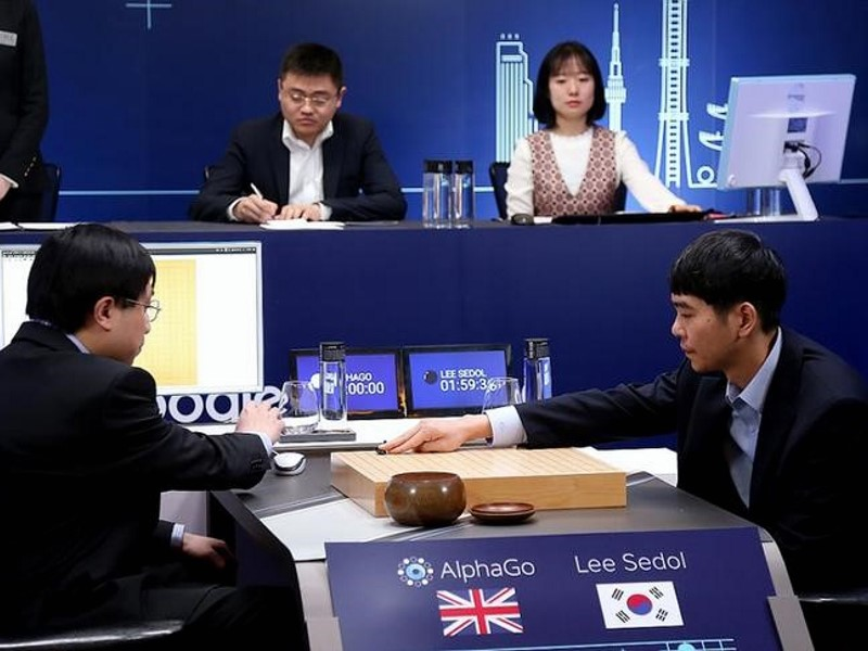 Chinese AI Team Plans to Challenge Google's AlphaGo: Report