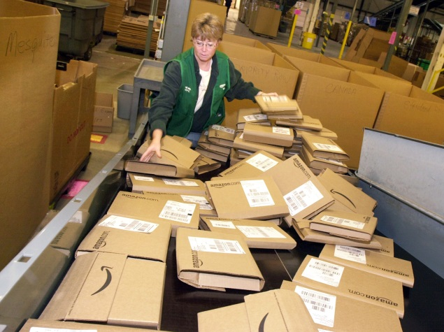Amazon Sees Line-of-Sight Hurdle to US Drone Parcel Delivery