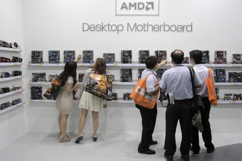 AMD CEO Says Expects to Return to Operating Profit in H2 2016