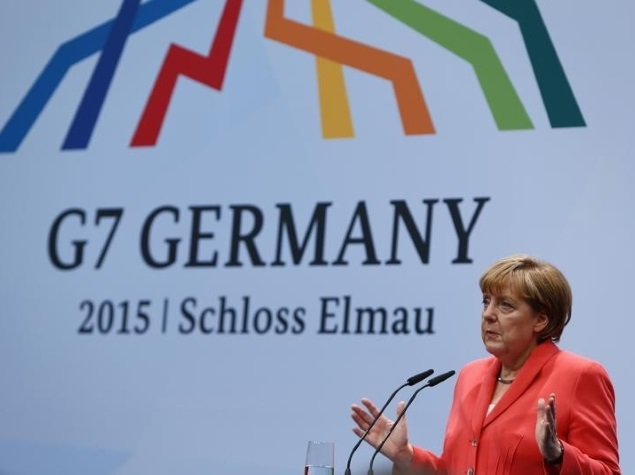 Germany Drops Probe Into Alleged US Tapping of Merkel Cellphone