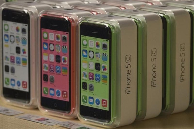 Apple to release iPhone 5s and 5c sales, holiday forecast reports on Monday